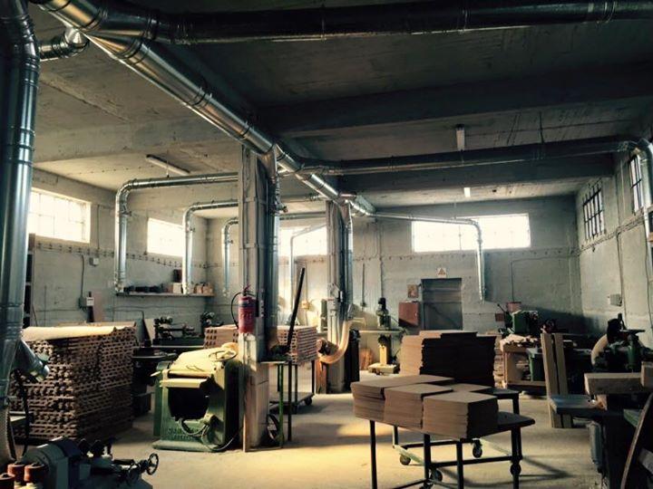 Ο χώρος παραγωγής στο παράρτημα κατασκευής καρέκλας στο Εργοστάσιο Επίπλων Ζαμπούκας
