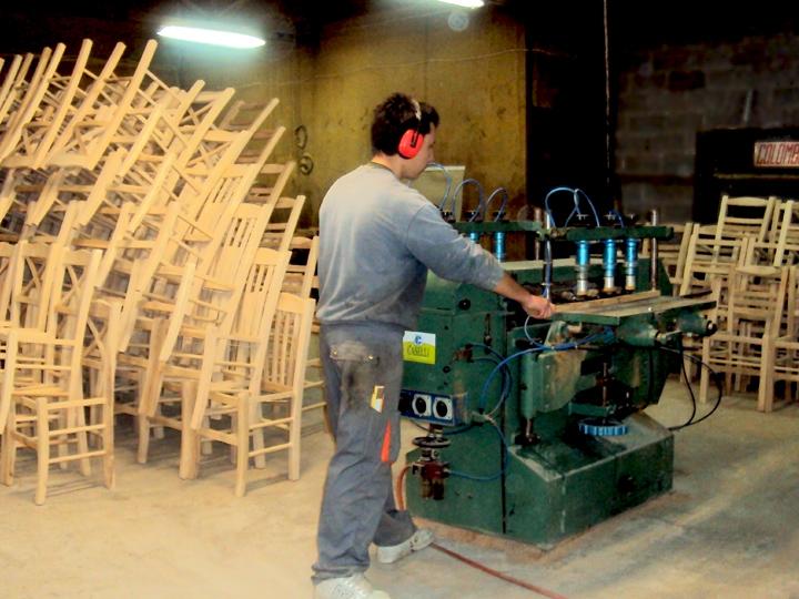 Κατά την επεξεργασία του ξύλου - Ergostasio Zampoukas