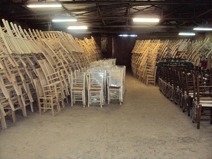 Καρέκλες έτοιμες για παράδοση